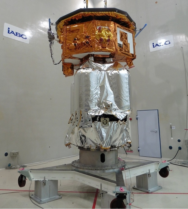 LISA_Pathfinder_in_acoustic_test_facility_during_set-up_625