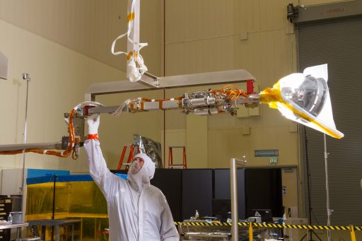 OSIRIS-REx Sample Return Arm test - Photo: OSIRIS-REx Project / Dante Lauretta