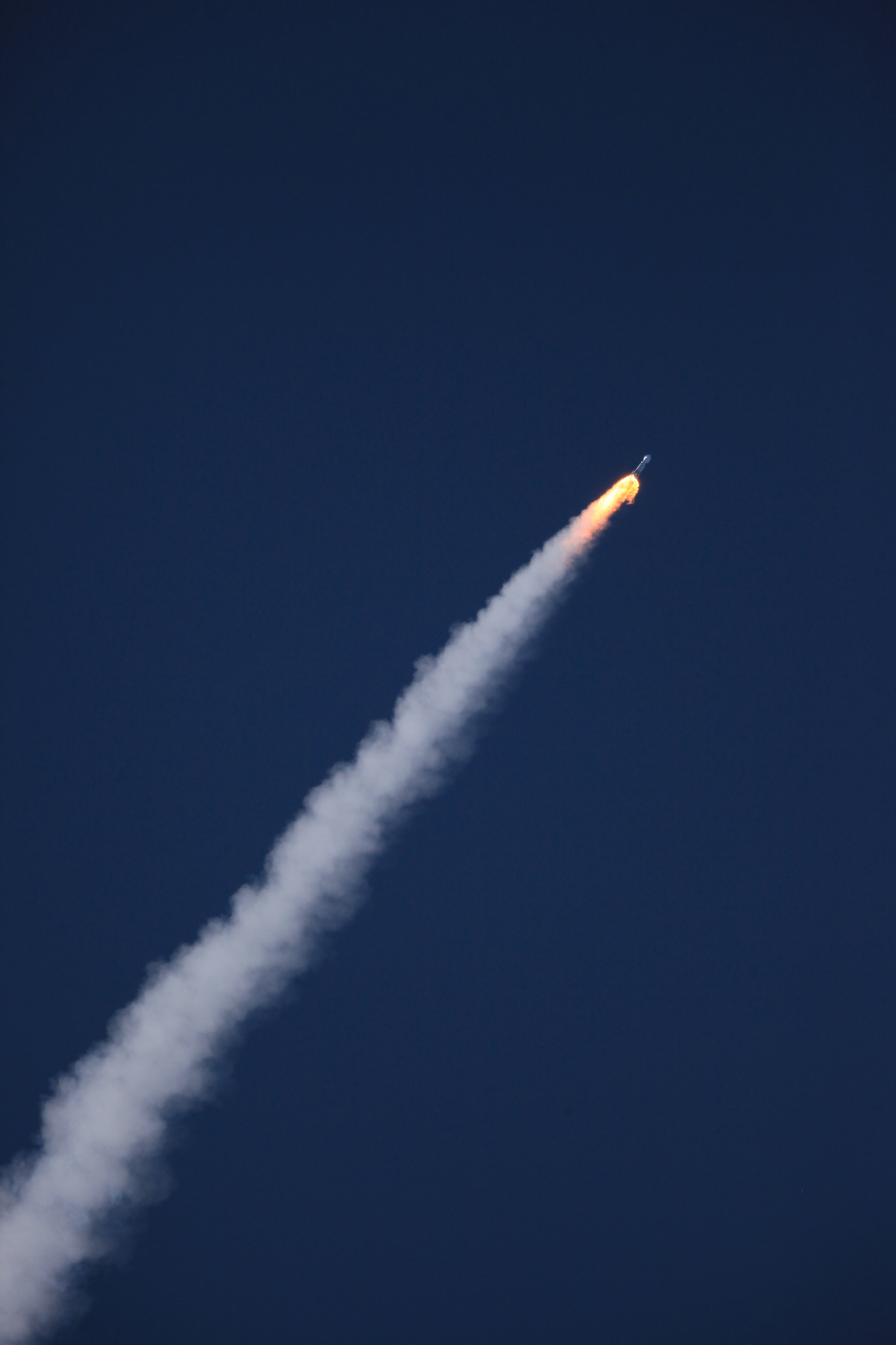 Dawn in orbit, rendezvous with asteroid Bennu and night flight Falcon 9 15