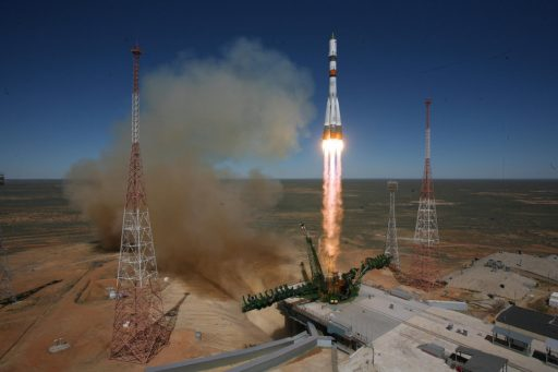 Soyuz blasts off with Progress M-27M - Photo: Roscosmos/Tsenki