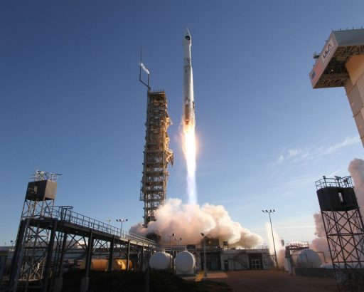 DMSP F19 Launches atop Atlas V - Photo: United Launch Alliance