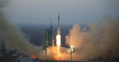Re-Entry: Long March 2F Rocket Stage from Shenzhou-11 Launch