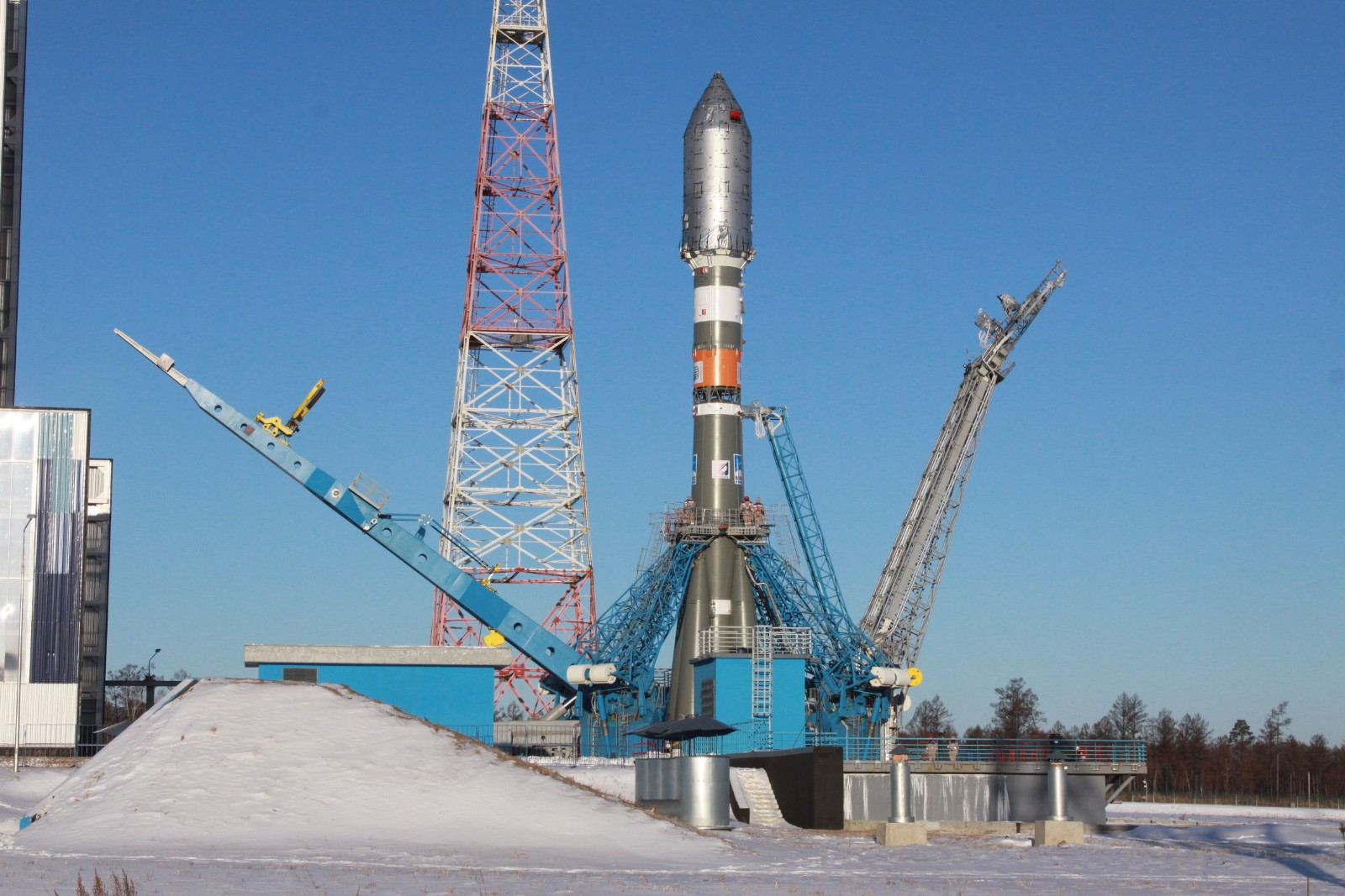 Builders of the Vostochny cosmodrome staged a strike due to non-payment of salaries 03/30/2015 57
