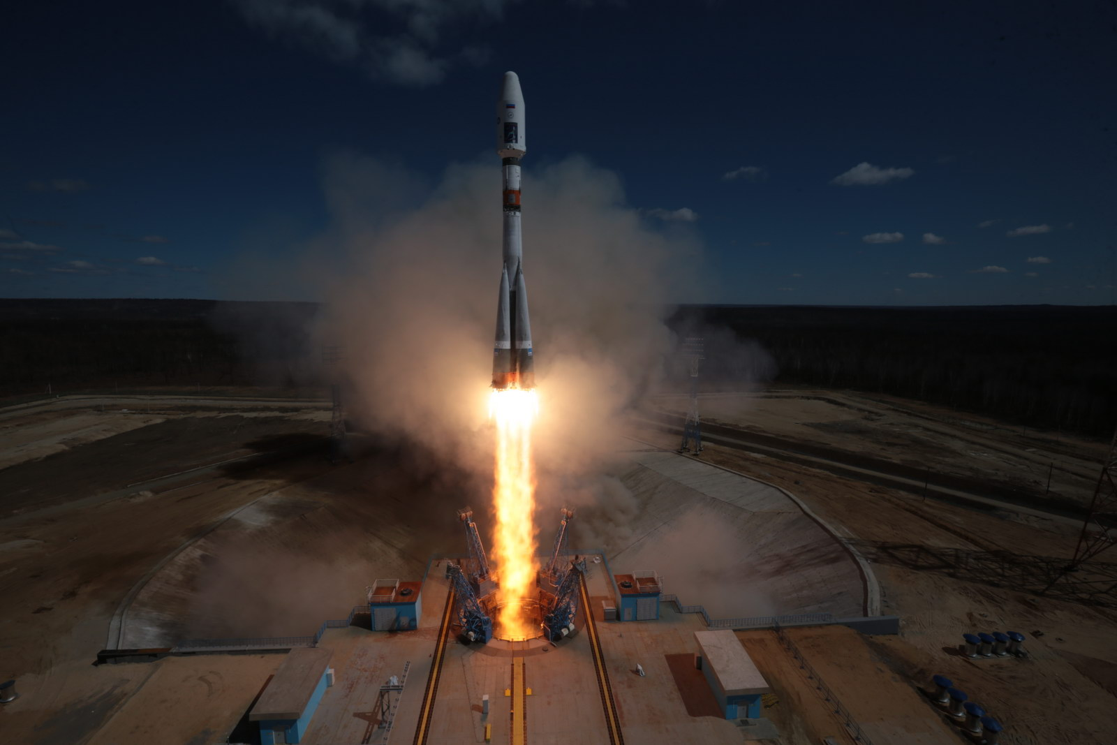 Re-Entry: Soyuz Rocket Stage from first Vostochny Launch