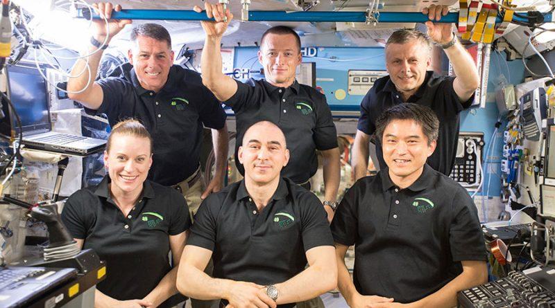 Expedition 49 Crew - Photo: NASA