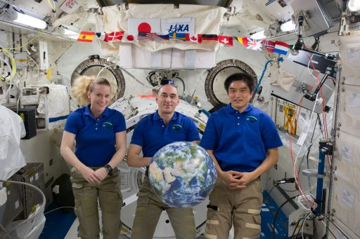 The first half of the Expedition 49 Crew - Photo: NASA