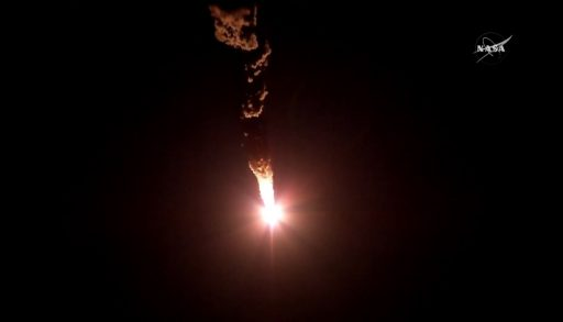 Soyuz races into a crystal clear night over the Baikonur Cosmodrome - Photo: NASA TV