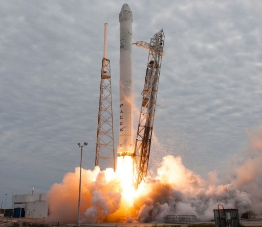 Falcon 9 v1.0 - Photo: SpaceX