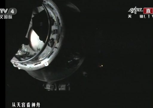 The moment of contact between China's 'Divine Vessel' Shenzhou & the 'Heavenly Palace' Tiangong - Photo: CCTV