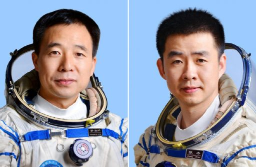 Shenzhou 11 Crew - Jing Haipeng (left), Chen Dong (right) - Images: Xinhua