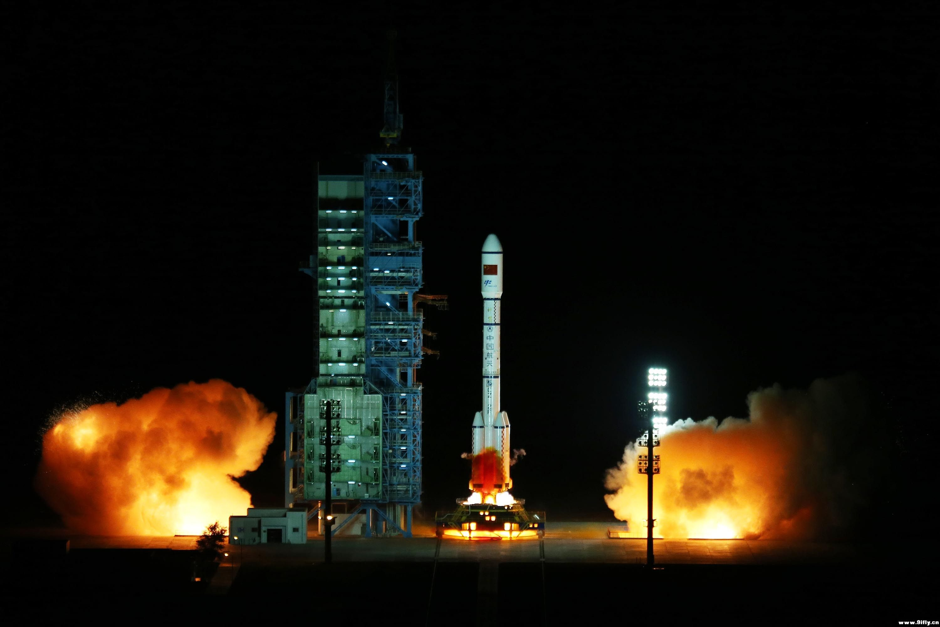 Photos: Tiangong-2 Space Laboratory blasts off from China ...
