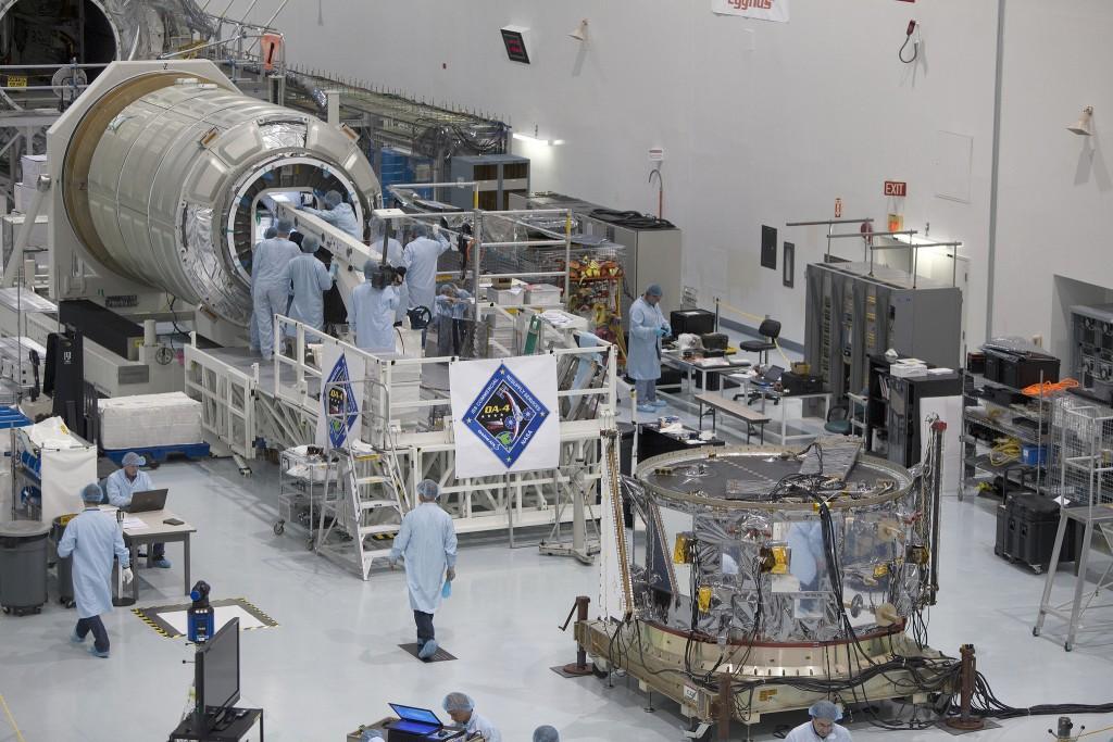 Cygnus Orb-4 Processing at KSC - Photo: NASA Kennedy