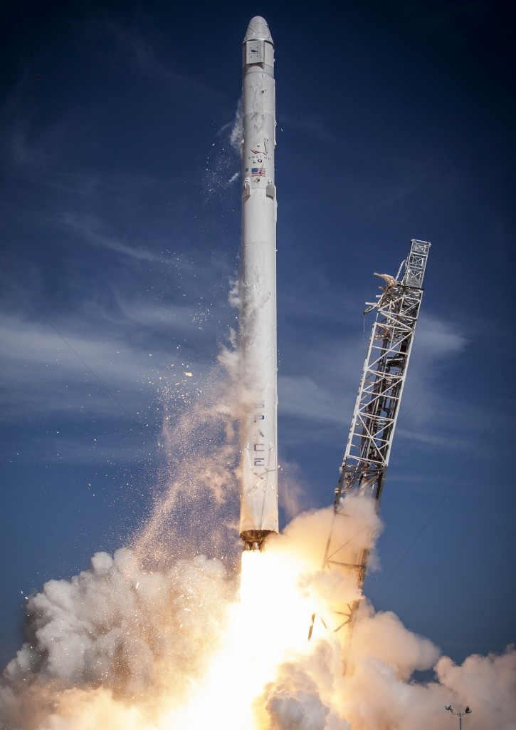 Falcon 9 with Dragon CRS-6 - Credit: SpaceX