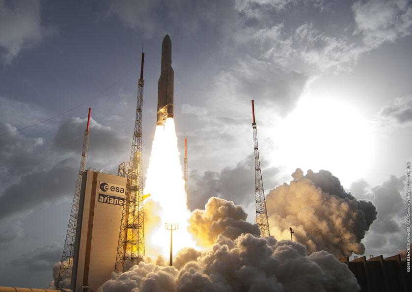 Ariane 5 VA222 with Thor-7 and Sicral 2 - Credit: ESA/CNES/Arianespace