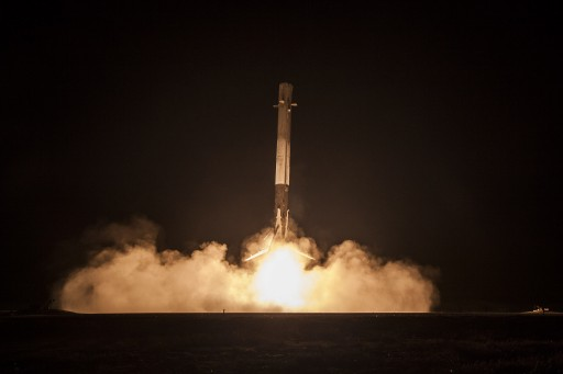 Falcon 9 Booster approaches Landing Zone 1 for a historic touchdown - Credit : SpaceX
