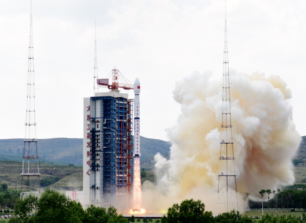 Long March 4B with Gaofen-8 - Credit: Xinhua