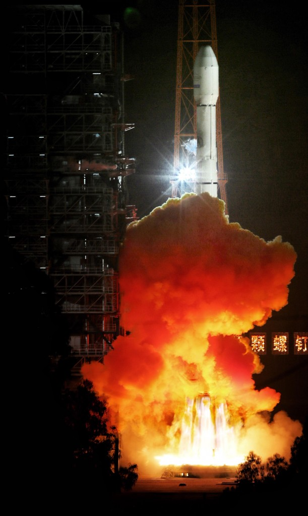 Long March 3B with Apstar-9 - Credit: Xinhua
