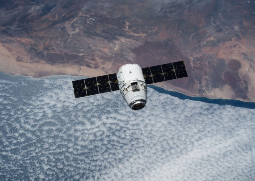 SpaceX Dragon on approach to ISS - Photo: NASA