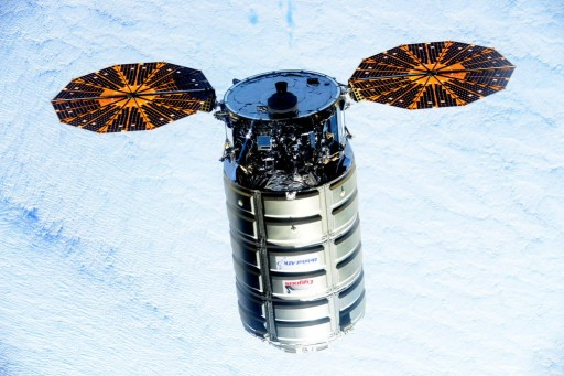 Cygnus during Rendezvous with ISS - Photo: NASA/Scott Kelly