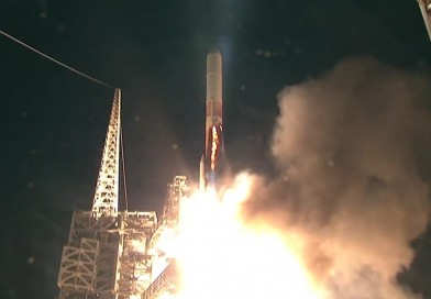 Videos: Delta IV soars into the Night with classified NROL-45 Satellite