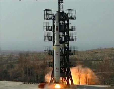 Unha-2 Launch (2009) - Photo: KCNA
