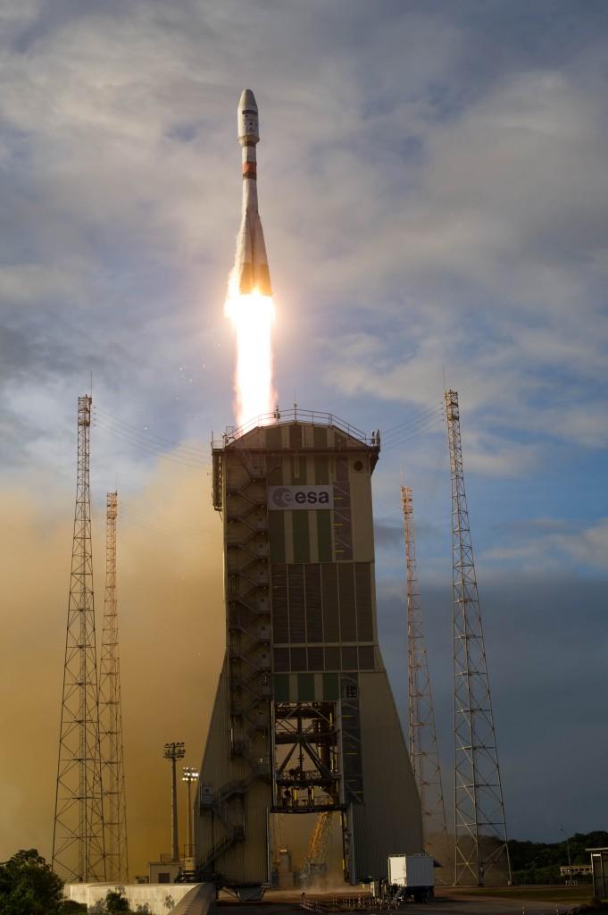 Sentinel 1B décolle depuis Kourou