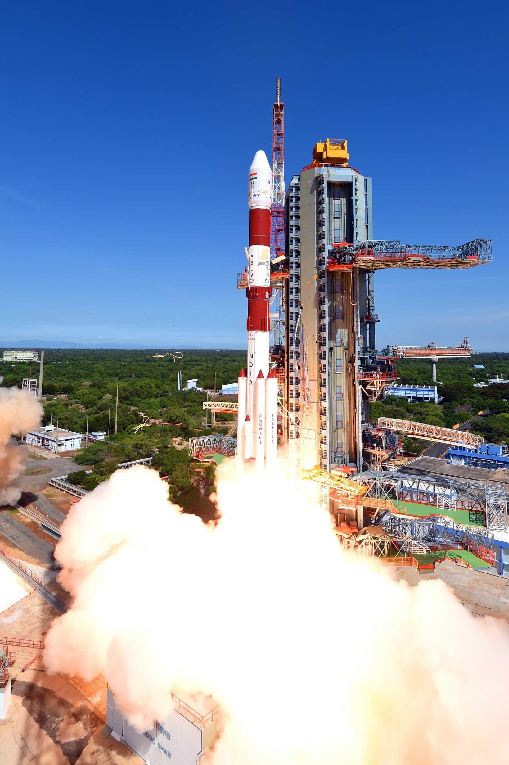 pslv-c34takeoff-view3