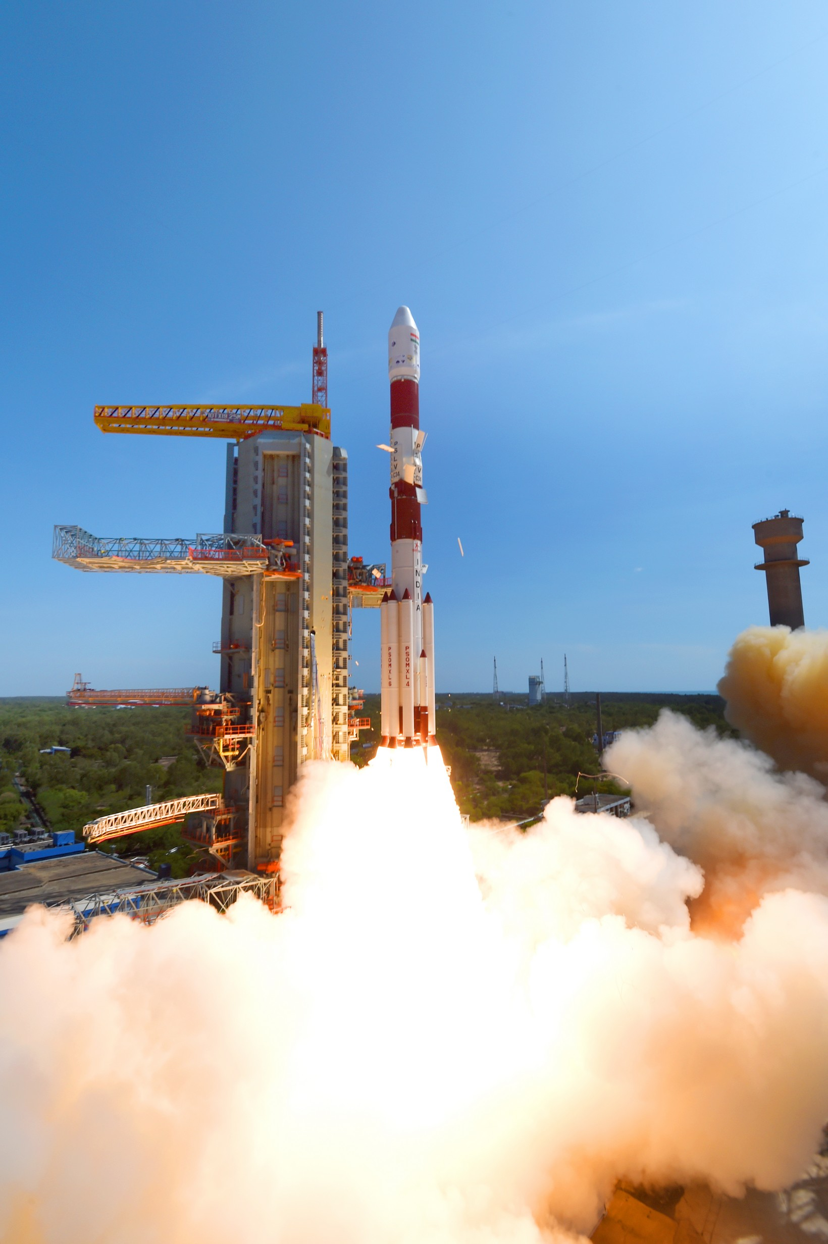 pslv-c34takeoff-view5