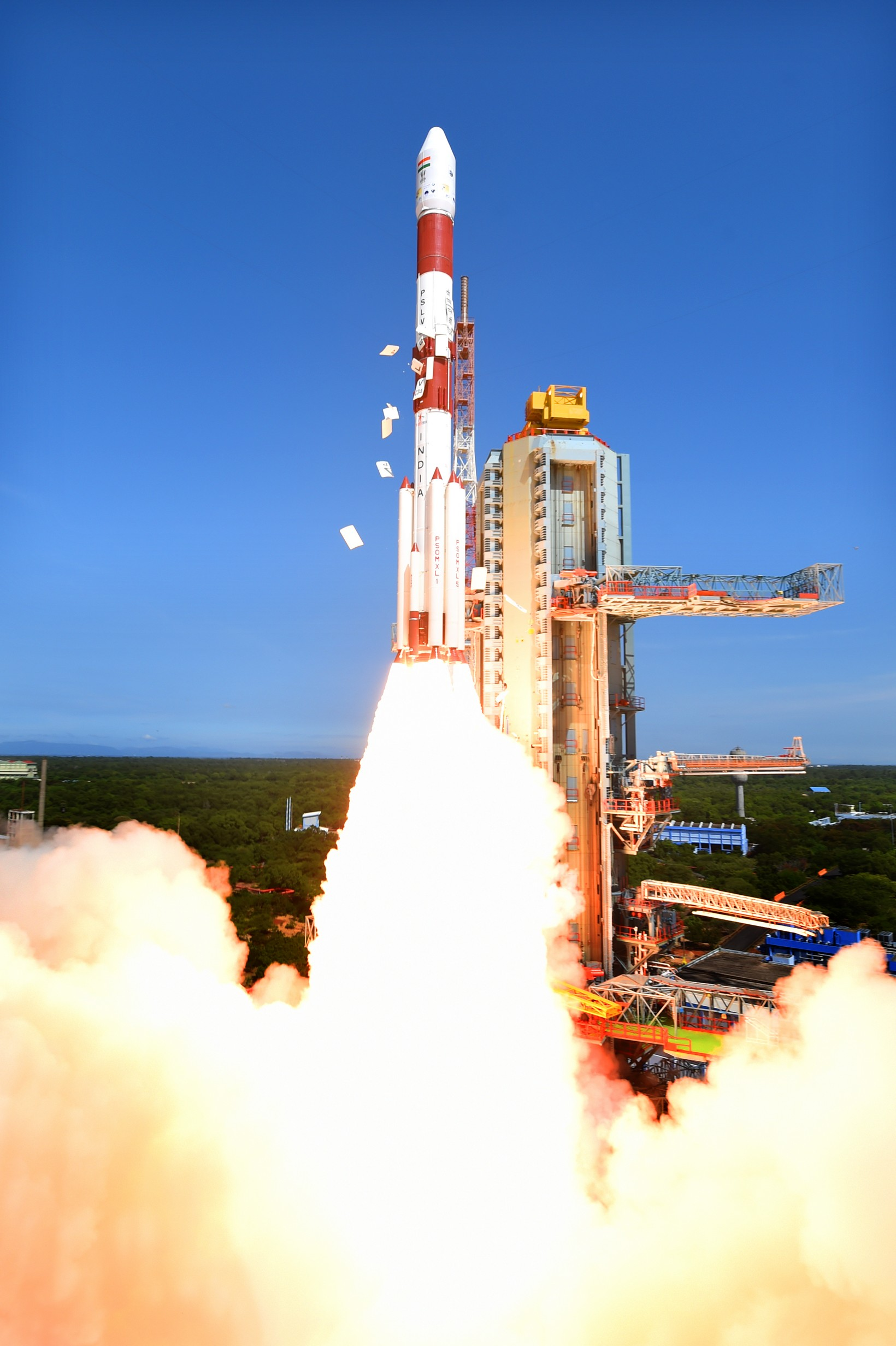 pslv-c34takeoff-view6