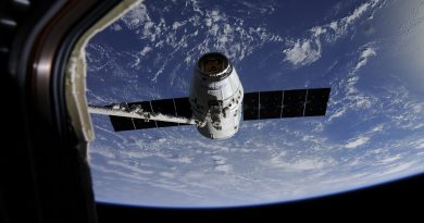 Photos: Dragon Cargo Spacecraft arrives at ISS