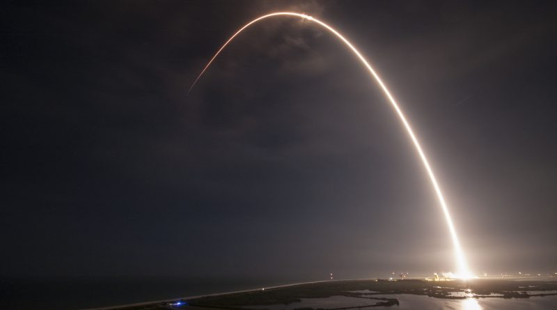 Photos: Falcon 9 lights up the Night over Cape Canaveral