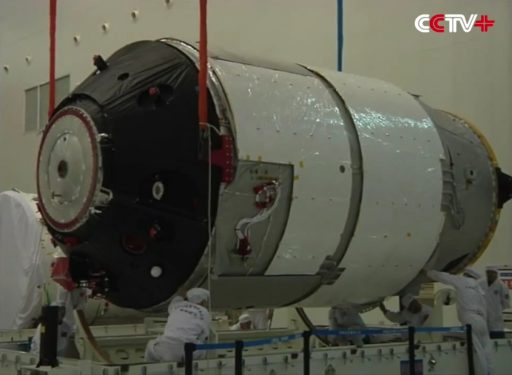 Tiangong-2 during processing - Photo: CCTV