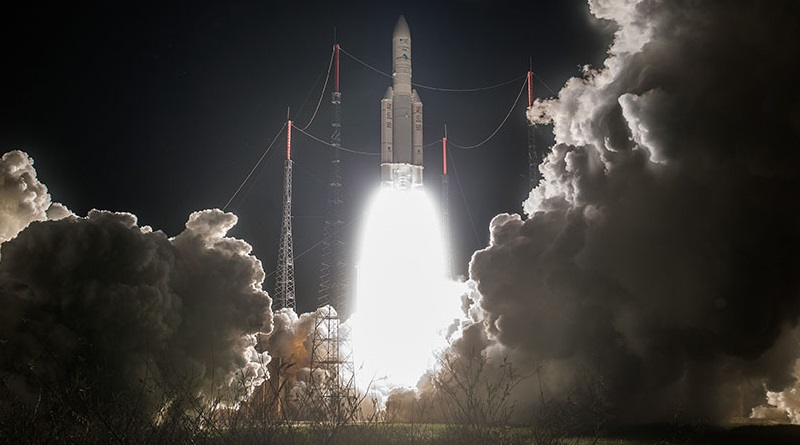 Photos: Nighttime Ariane 5 Liftoff with Intelsat Satellite Pair