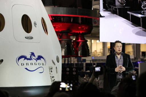 Elon Musk presents the Dragon 2 Spacecraft - Photo: NASA