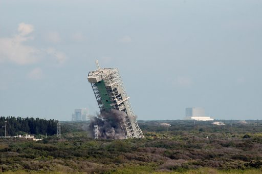 LC-36 Tower Demolition - Photo: NASA