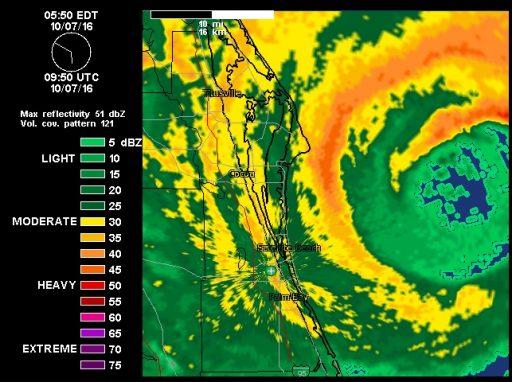 Matthew grazes Cape Canaveral - Image: Wunderground.com Radar