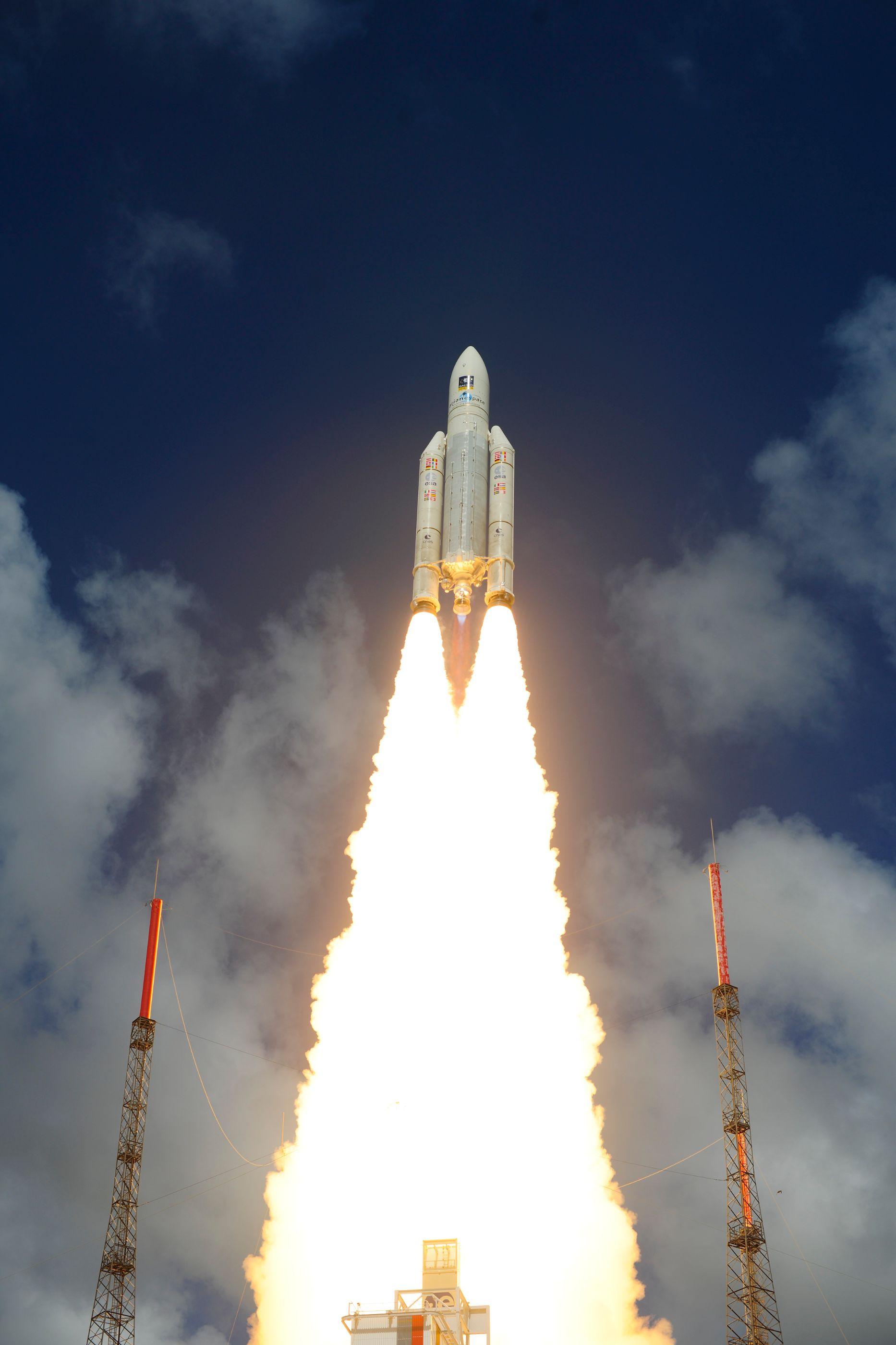 ariane_5_liftoff_on_flight_va233-16