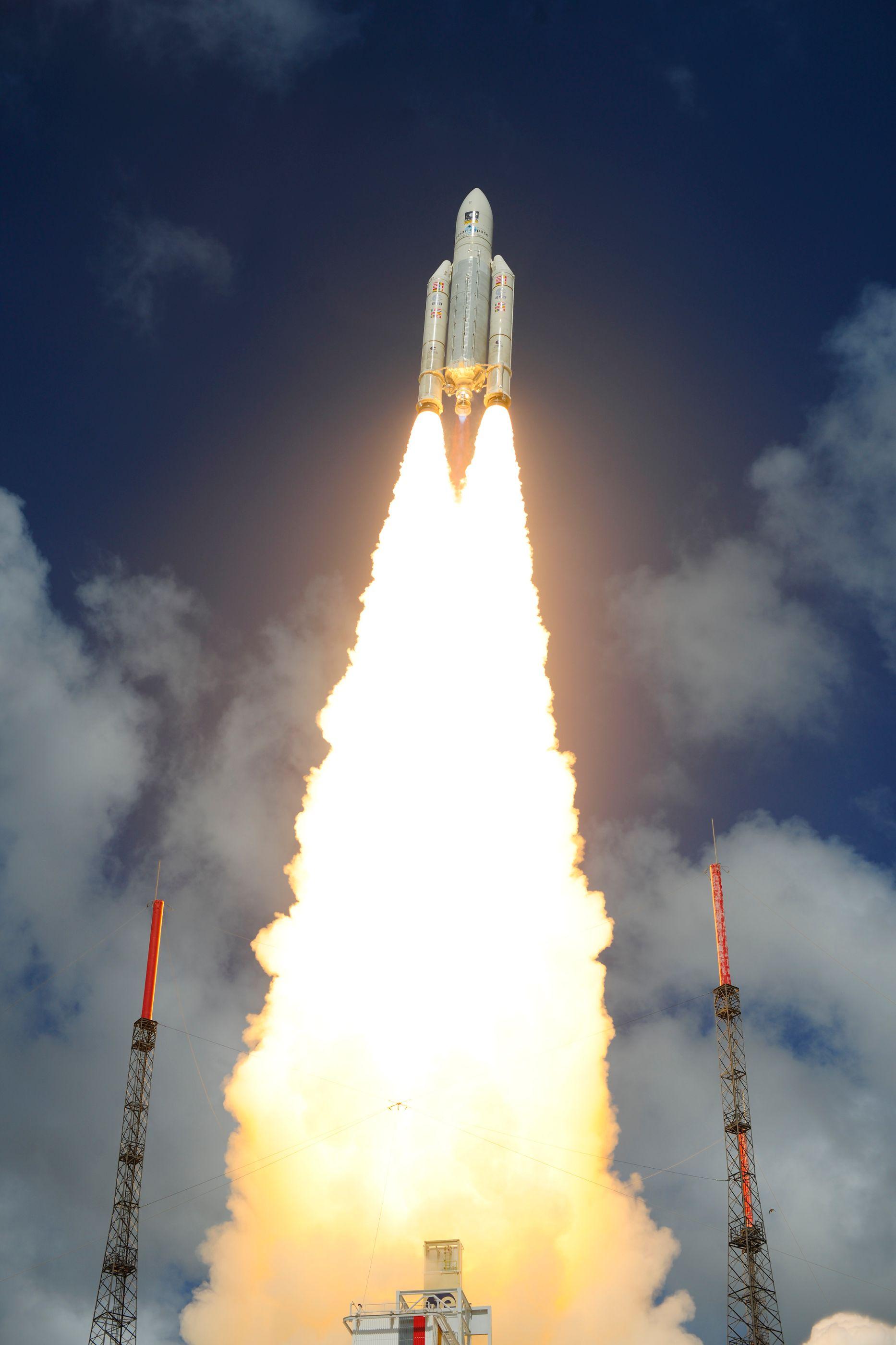 ariane_5_liftoff_on_flight_va233-18