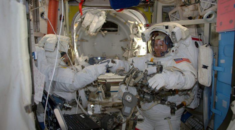 Veteran Spacewalkers connect new Space Station Batteries, race through long Task List