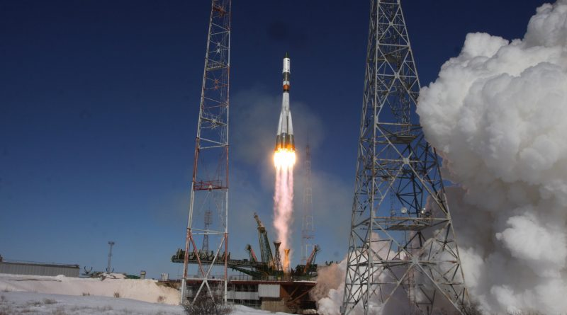 Photos: Soyuz U blasts off on Final Climb to Orbit