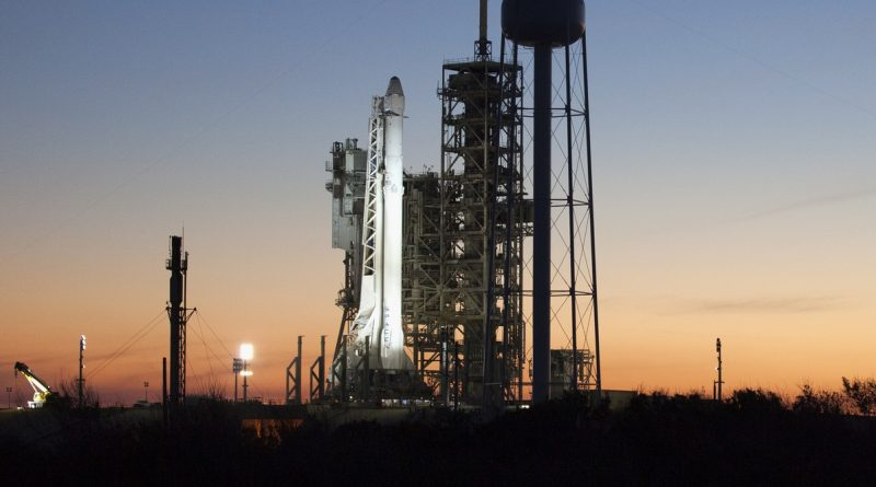 Falcon 9 declared GO for Historic Debut Launch from LC-39A with Dragon Cargo Craft
