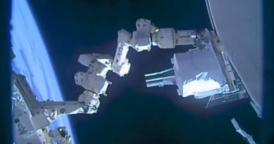 Video: Busy ISS Robots install Atmospheric Sensing Payload