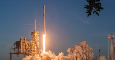 Falcon 9 Soars to Orbit with Secret Government Satellite, 1st Stage Lands at Cape Canaveral