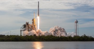 Photos: 100th Liftoff from Kennedy's LC-39A & Falcon 9 Booster Landing