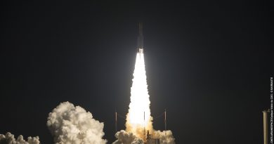 Photos: Ariane 5 Rumbles into the Night with Heavy Satellite Duo