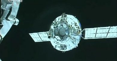 Chinese Tianzhou-1 Cargo Craft & Tiangong-2 Space Lab engage in Orbital Ballet for Re-Docking