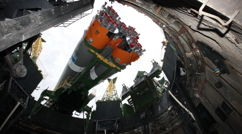 Photos & Video: Soyuz Rocket rolls to Baikonur Launch Pad for Liftoff with Kanopus et al.