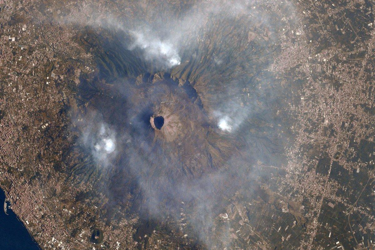 mount vesuvius wildfires captured from space spaceflight101