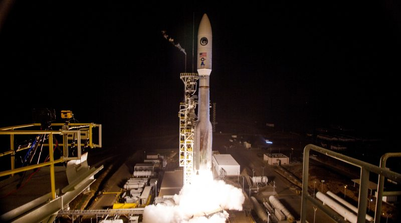 Atlas V Thunders off from California on Secret Mission Assignment with NROL-42 Spy Satellite