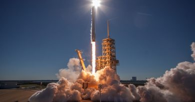 Photos: Falcon 9 Soars Off From Florida with Korean Communications Satellite